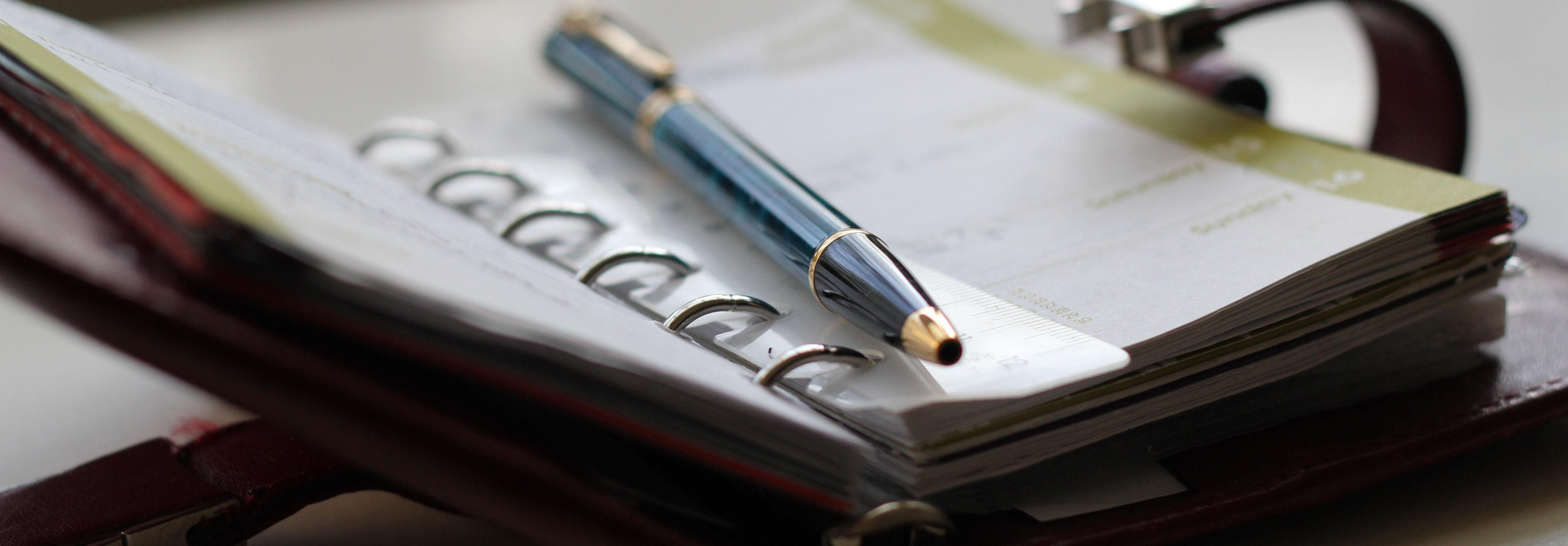 Foto van agenda met pen